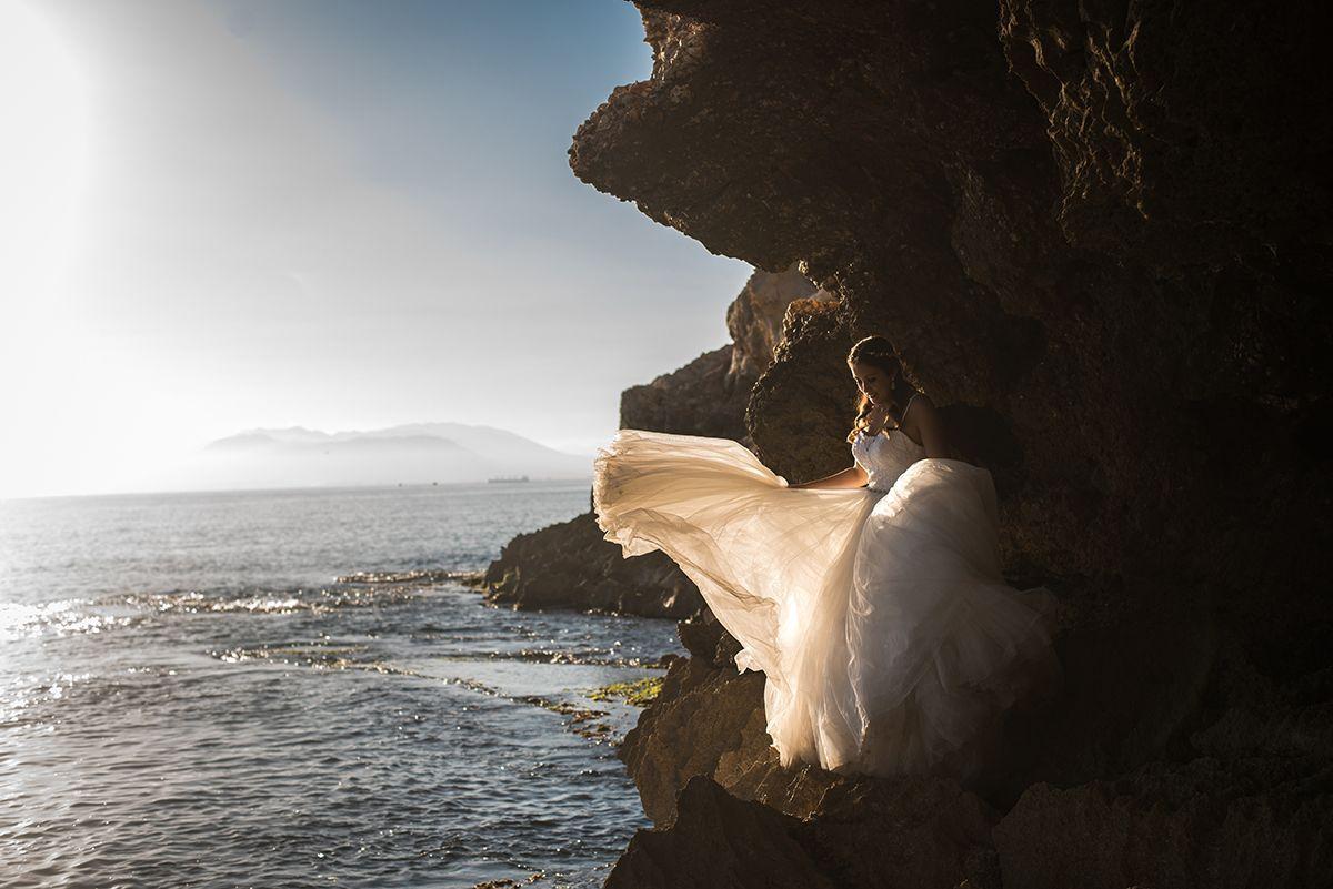 fotografia de novia en una cueva